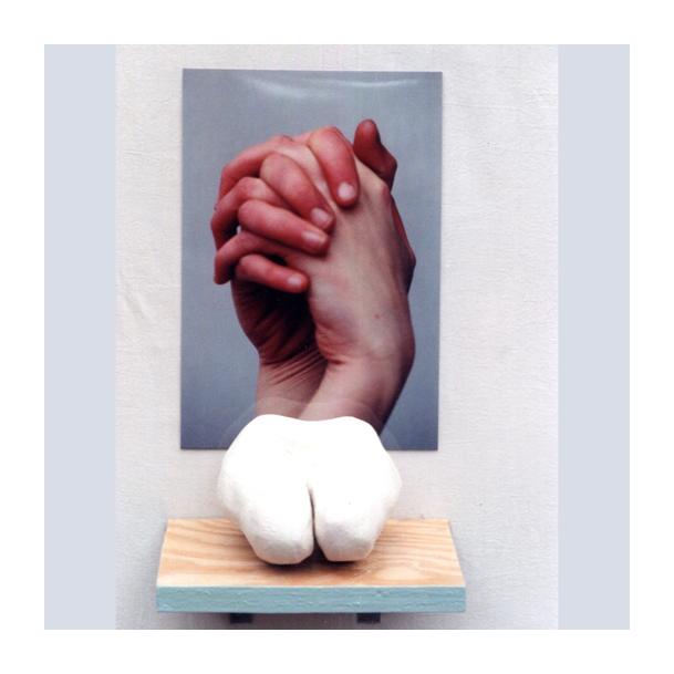 beelden: handen en op de knieen