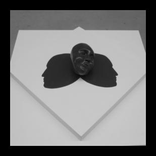 beeld Twee gezichten / sculpture Two faces